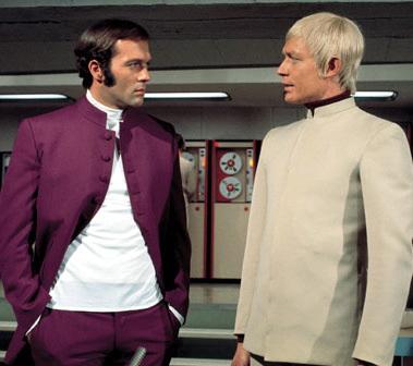 Paul Foster (Michael Billington) e Ed Straker (Ed Bishop), protagonisti della serie UFO